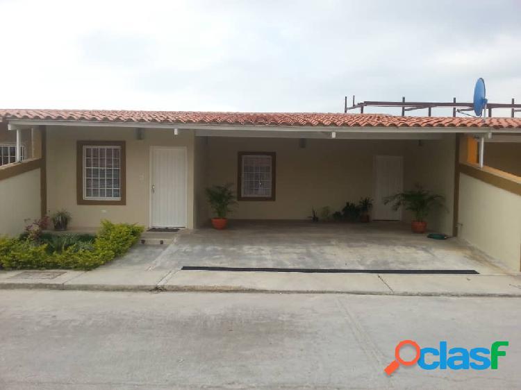 180 M2. Casa en Venta en Brisas Del Lago, Guacara