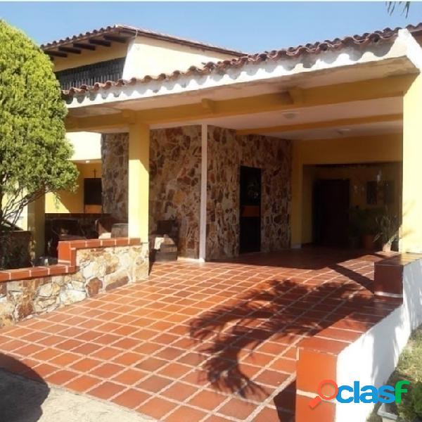 (189 M2) Casa en Venta Country Park Villaserino San Diego