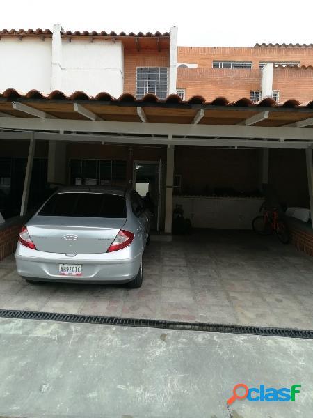 190 Mts Town House en conjunto Residencia Amazonia, San