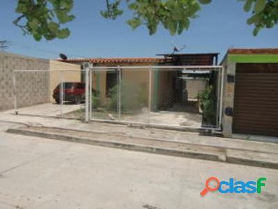 200 M2. Venta de casa en el Guayabal San Joaquin