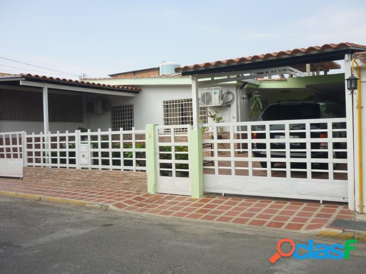 260 m² Casa en Venta en Paraparal, Los Guayos