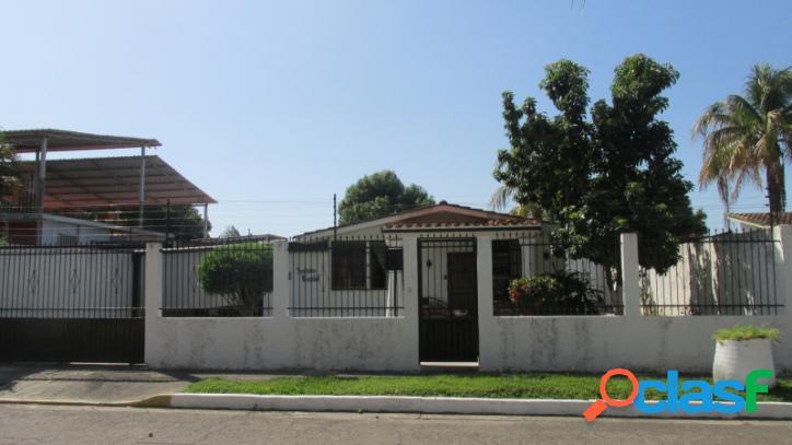 307 M2. Venta de Casa en San Joaquin
