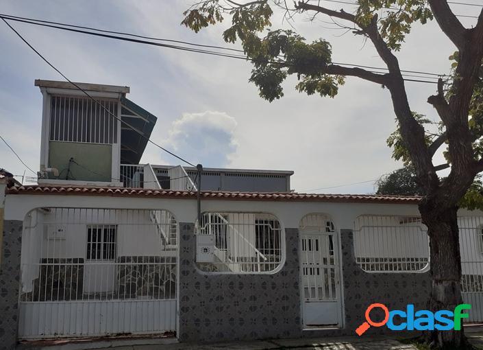 316 M2. Casa en venta en urbanización los Cerritos