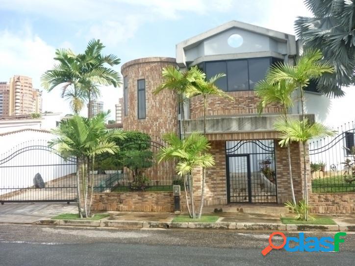560 M2. Casa en venta en El Bosque, Valencia