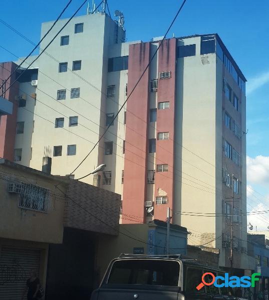 (64 m2) LINDO APARTAMENTO EN AV. LISANDRO ALVARADO