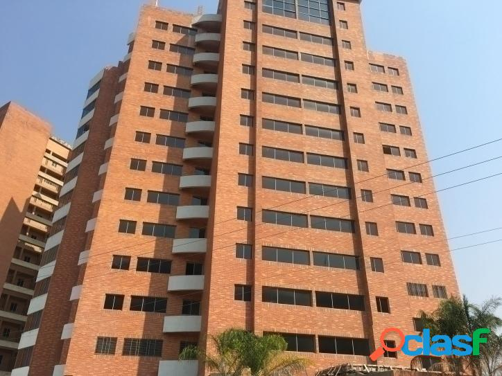 78 M2. Bello y cómodo apartamento en Venta en El Manantial,
