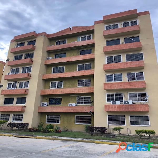 83 M2. En venta lindo apartamento en El Conjunto Residencial