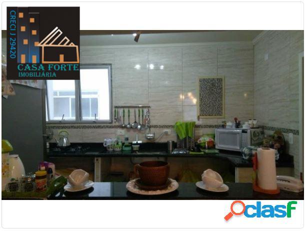 Apartamento 3 Dormitórios 94m² Praia da Enseada R$