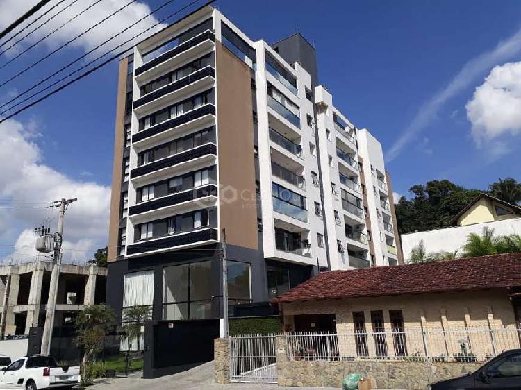 Apartamento com 3 dormitórios em Joinville