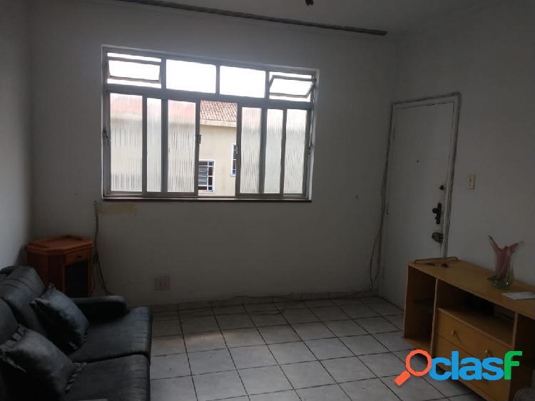 Apartamento de 2 dormitórios em Santos no Embaré.