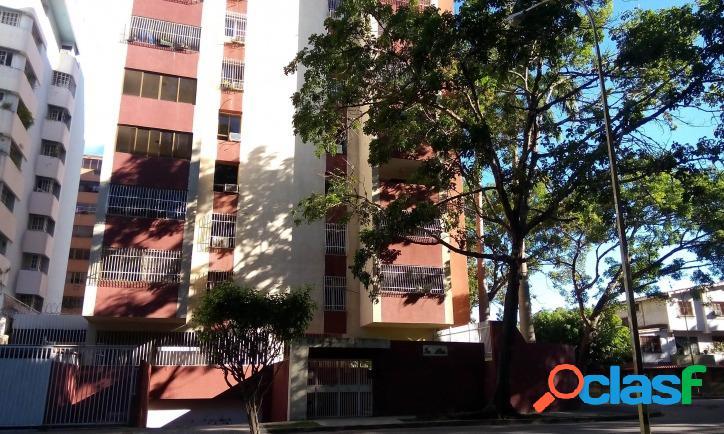 Bello Y Cómodo Apartamento En Venta En Urb. Prebo, Valencia