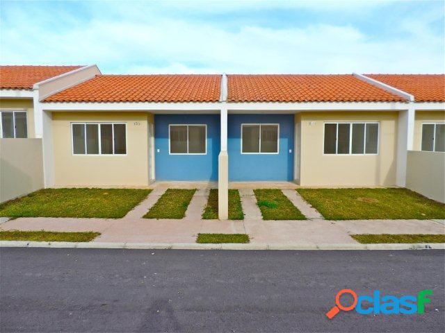 Casa em condomínio a venda no bairro Fazenda Rio Grande