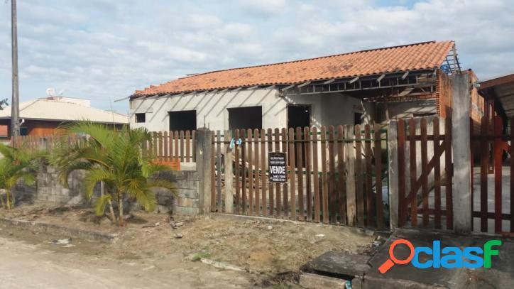 Casa em fase de construção com Edicula - Loteamento