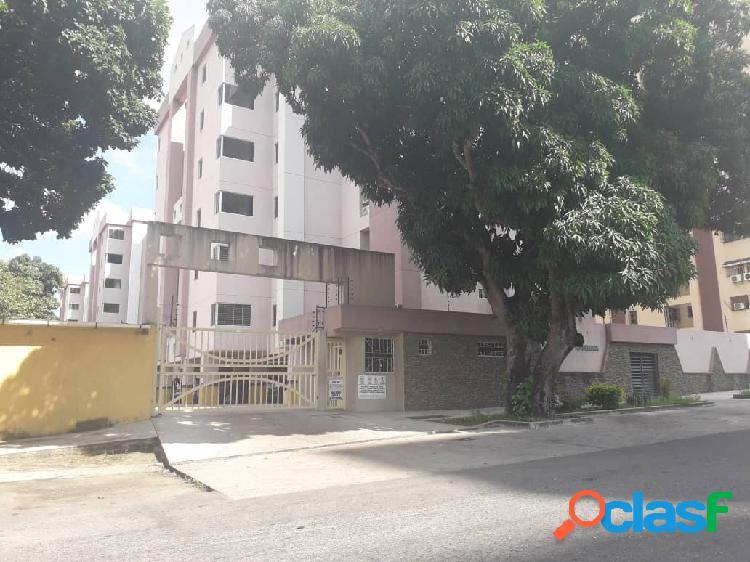 Comodo apartamento en Conj Res Virgen Morena