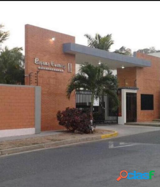 En venta Bello Apartamento en Bayona Country II, Sector