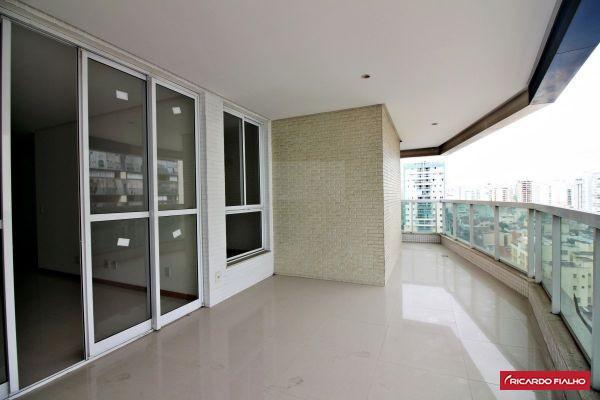 Oportunidade apartamento 4 quartos a 260 metros da praia