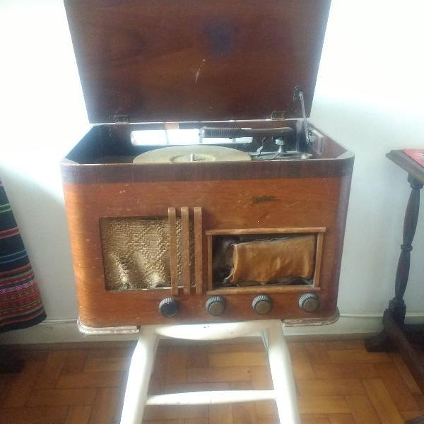 Rádio Vitrola de Madeira (vintage)