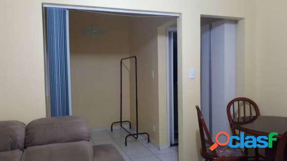 Sala living dividida em Santos na Divisa