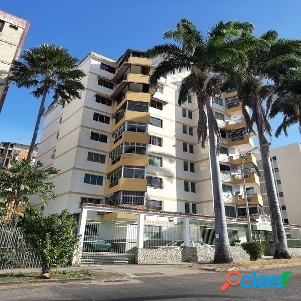 Venta de Apartamento en el Trigal Av. Pocaterra 160 Metros