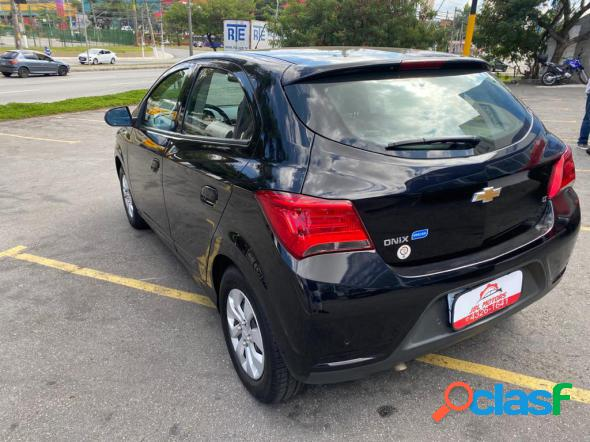 CHEVROLET ONIX HATCH LT 1.0 8V FLEXPOWER 5P MEC. PRETO 2018
