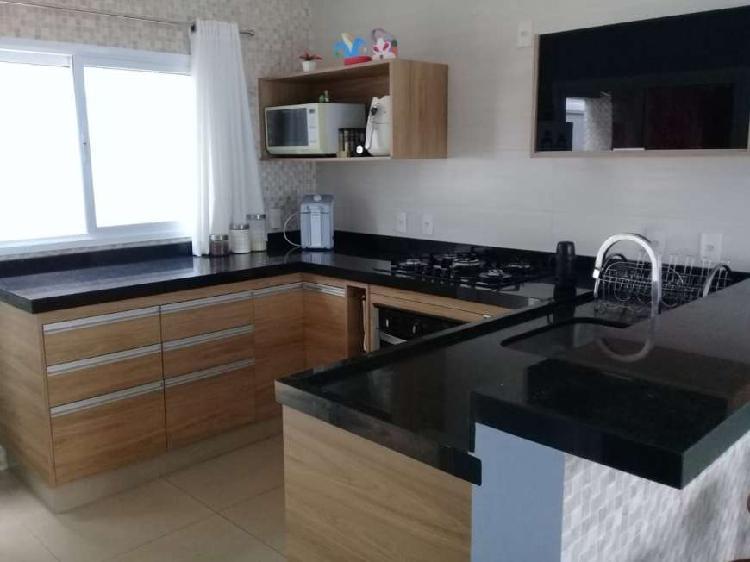 Casa de Condomínio para venda possui 147 M² com 3 quartos