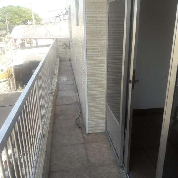 Casa para aluguel tem 55 metros quadrados com 2 quartos em