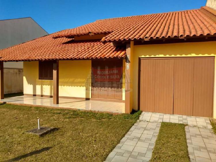 Linda residência composta por 03 dormitórios, 01 suíte