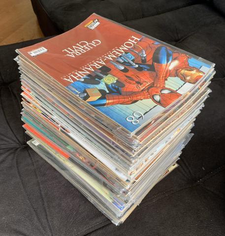 Lote 40 HQs Marvel Homem-Aranha e Vingadores