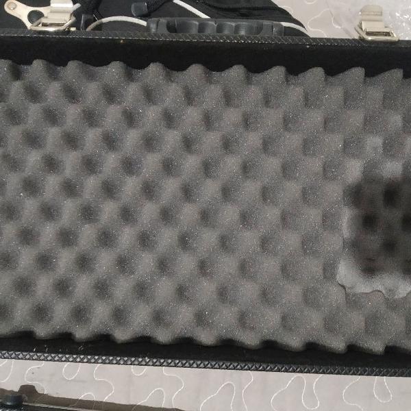 Pedaleira Zoom G5 - com case (apenas venda)