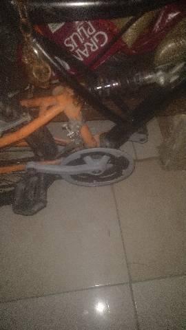 Troco por bike motorizada.