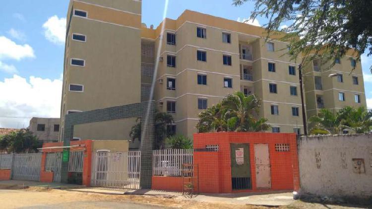 Apartamento 03 quartos (1 suíte)-Próximo a UNIT na Av.