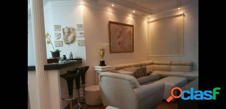 Apartamento com 3 dormitórios à venda, 131 m² por R$