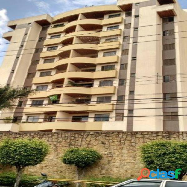 Apartamento com 3 dormitórios à venda, 86 m² por R$