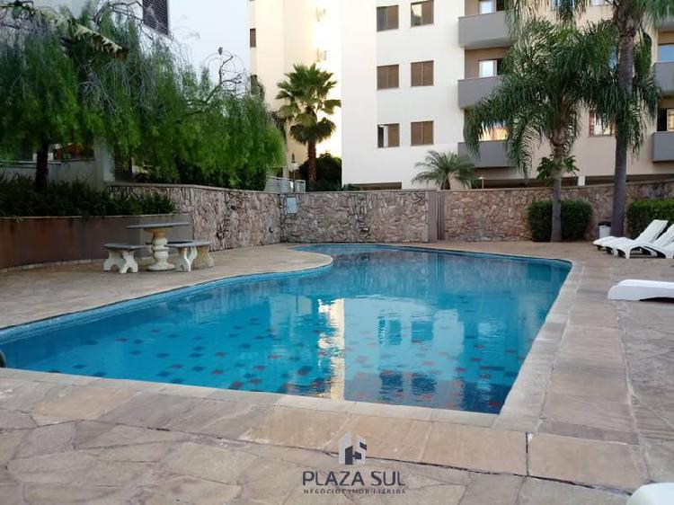 Apartamento para alugar com 90 metros quadrados e 03 quartos