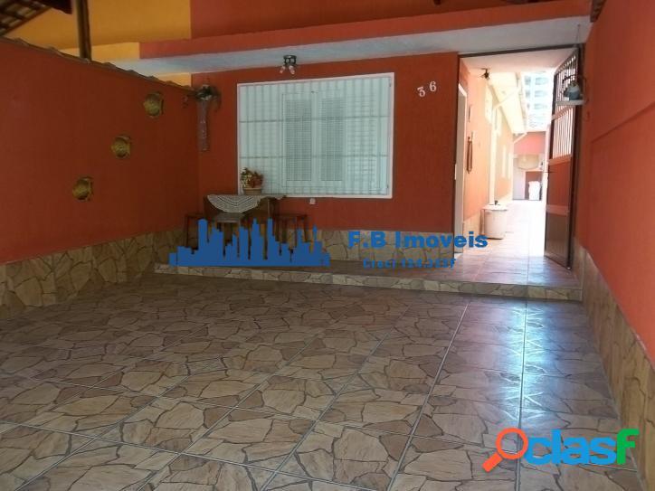 Casa com 2 dorm sendo 1 suíte em Vila Caiçara Praia Grande