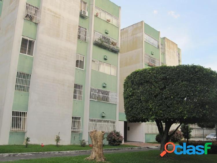 En Venta Amplío Apartamento en Naguanagua 133 MTS2