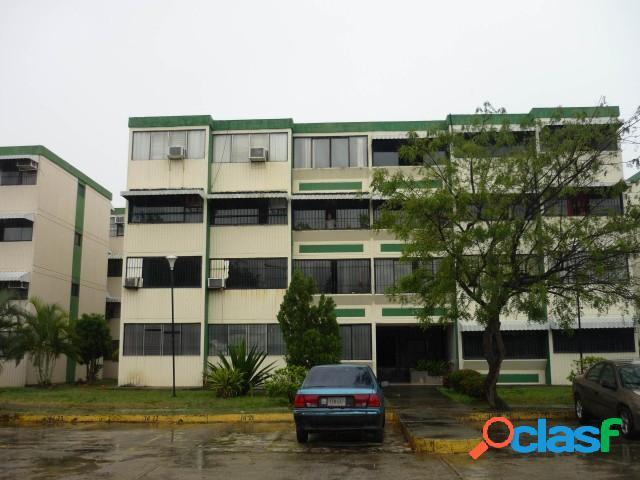 En venta Amplio Apartamento en residencias los Andes, San