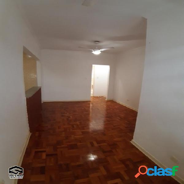 """Lado Praia, 01 amplo dormitório"""
