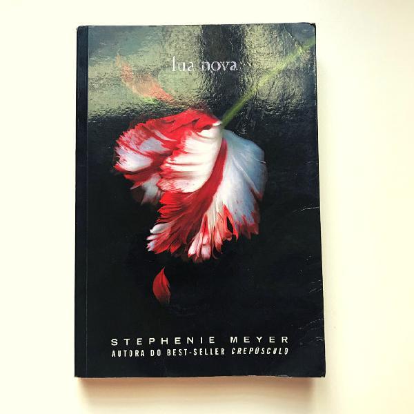 Livro Lua Nova - Stephenie Meyer - Seminovo (Série