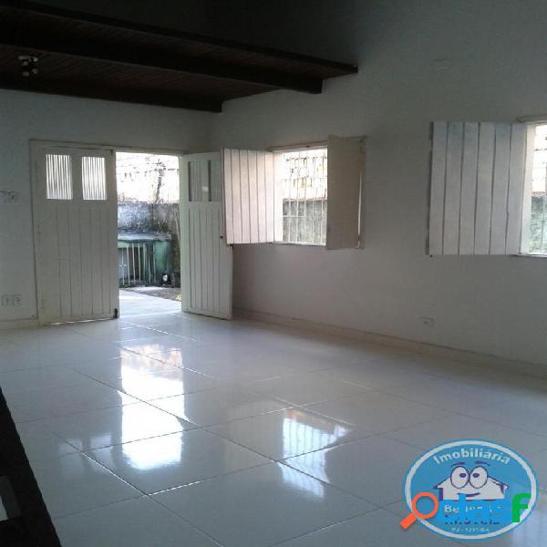 Locação de casa Térrea com 03 dormitórios R$1.250,00