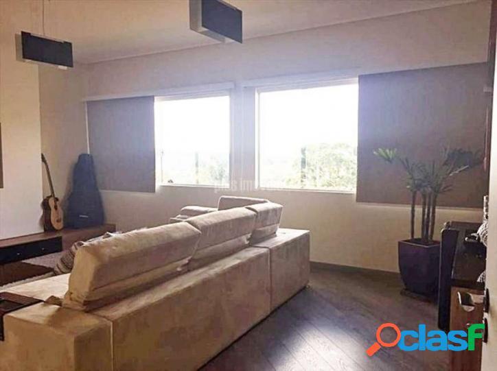 Sobrado com 3 Quartos à Venda, 198 m² por R$ 580.000