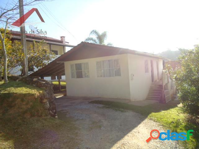 casa 3 dormitórios centro da praia de Bombinhas