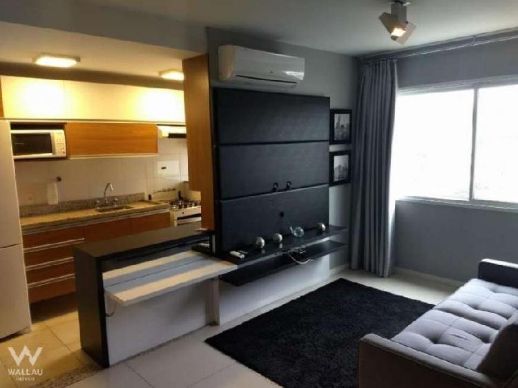 Excelente apartamento semimobiliado, com 02 dormitórios