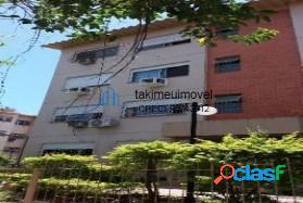 Apartamento com 3 dormitórios à venda, 78 m² por R$
