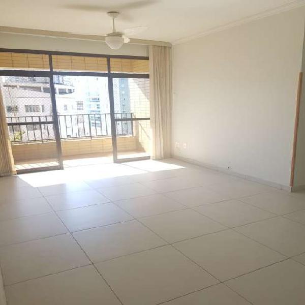 Apartamento para locação a 1 quadra da praia na Ponta da