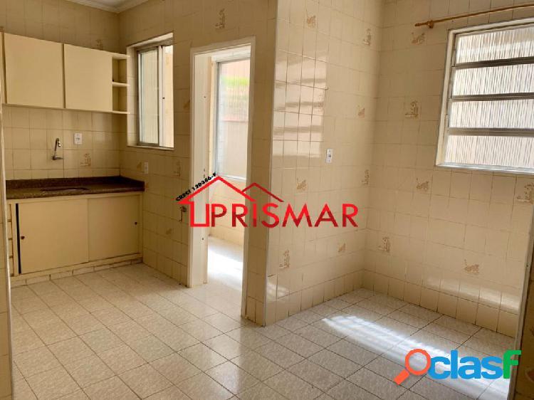 Apartamento 02 Dormitórios Térreo, Quintal e Depósito na