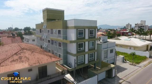 Apartamento com excelente localização, em frente a UNIVALI