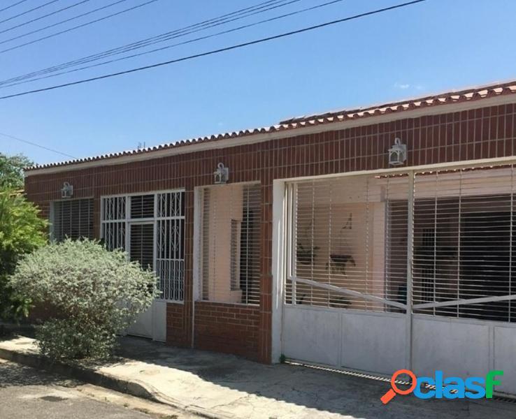 Casa en Venta en La Urbanizacion La Esmeralda San Diego 201