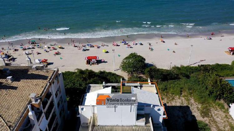 Cobertura nova com vista mar e pé na areia em Canasvieiras