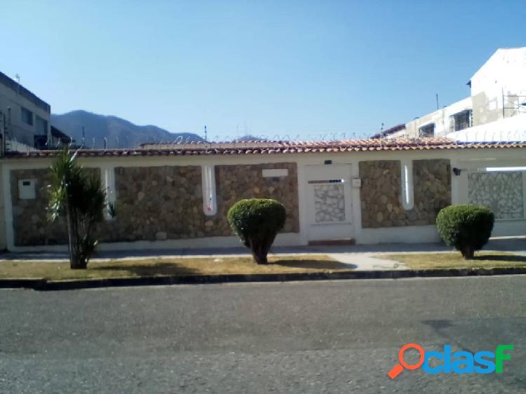 Venta de Casa Trigal Centro 250 mts $ 50.000 CA20-1305Z